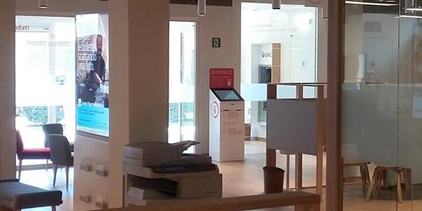 Banca Unicredit consiglia <br />Artelia Italia